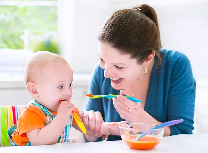A que edad un bebe puede comer papilla