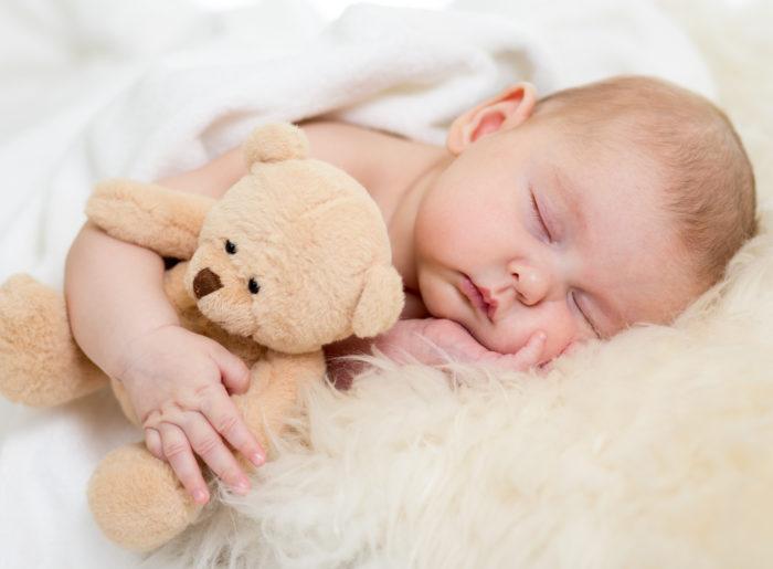 ea385f9ddd48 Un muñeco para dormir bebés que reproduce los latidos del corazón de la mamá